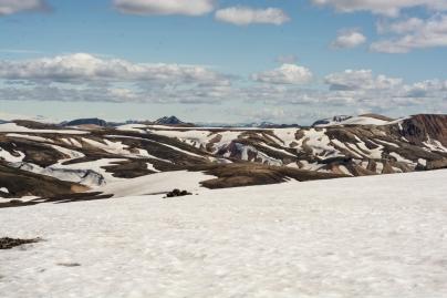 Laugavegur / Altschnee auf dem Weg zum Hrafntinnusker